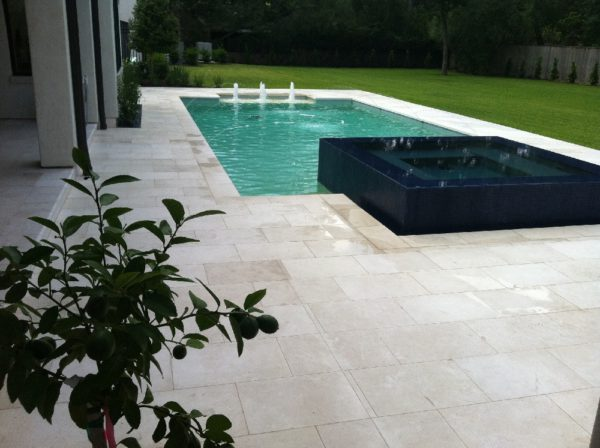 Freska Limestone Paver 16x24 Tumbled White Gray Outdoor Floor Wall Pool Patio Backyard QDIsurfaces