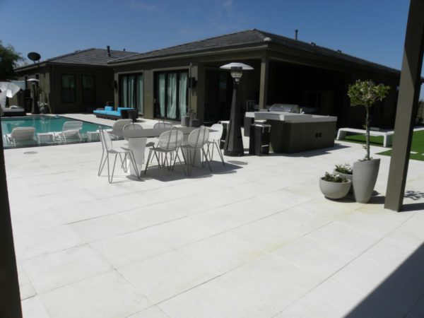 Freska Limestone Paver 24x24 Tumbled 3 White Gray Outdoor Floor Wall Pool Patio Backyard QDIsurfaces