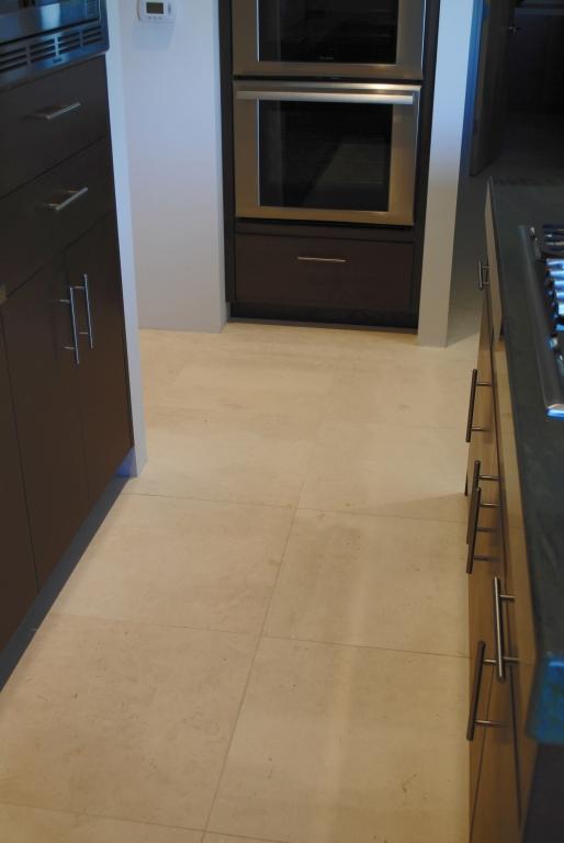 Freska Limestone Tile 24x24 Honed 17 White Gray Indoor Floor Wall Backsplash Tub Shower Vanity QDIsurfaces