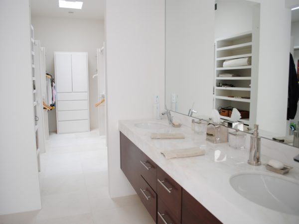 Freska Limestone Tile 24x24 Honed 2 White Gray Indoor Floor Wall Backsplash Tub Shower Vanity QDIsurfaces