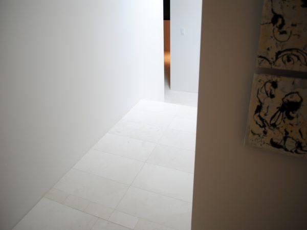 Freska Limestone Tile 24x24 Honed 25 White Gray Indoor Floor Wall Backsplash Tub Shower Vanity QDIsurfaces
