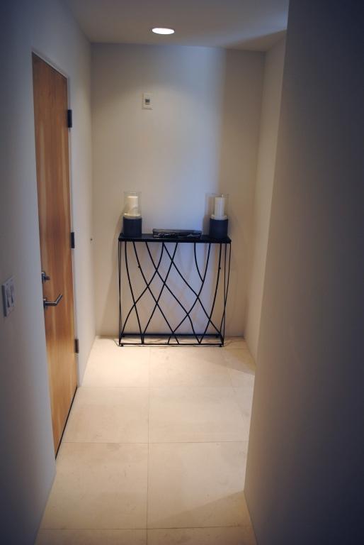 Freska Limestone Tile 24x24 Honed 8 White Gray Indoor Floor Wall Backsplash Tub Shower Vanity QDIsurfaces