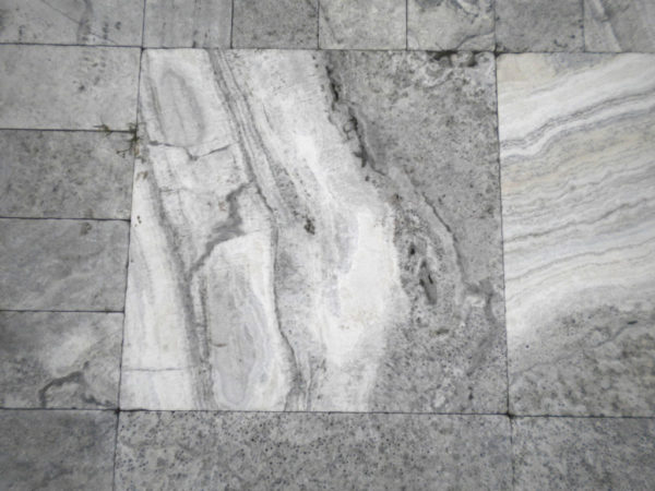 Silver Travertine Paver 24x24 Tumbled 2 Gray White Outdoor Floor Wall Pool Patio Backyard Tub Shower Vanity QDIsurfaces