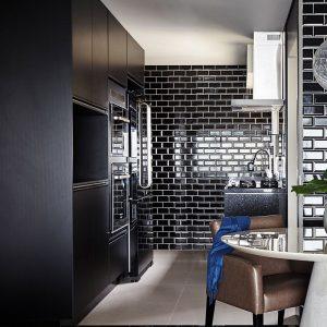 1 METRO Black 4x8 ceramic wall tile QDI Surfaces product room scene 800x800 1