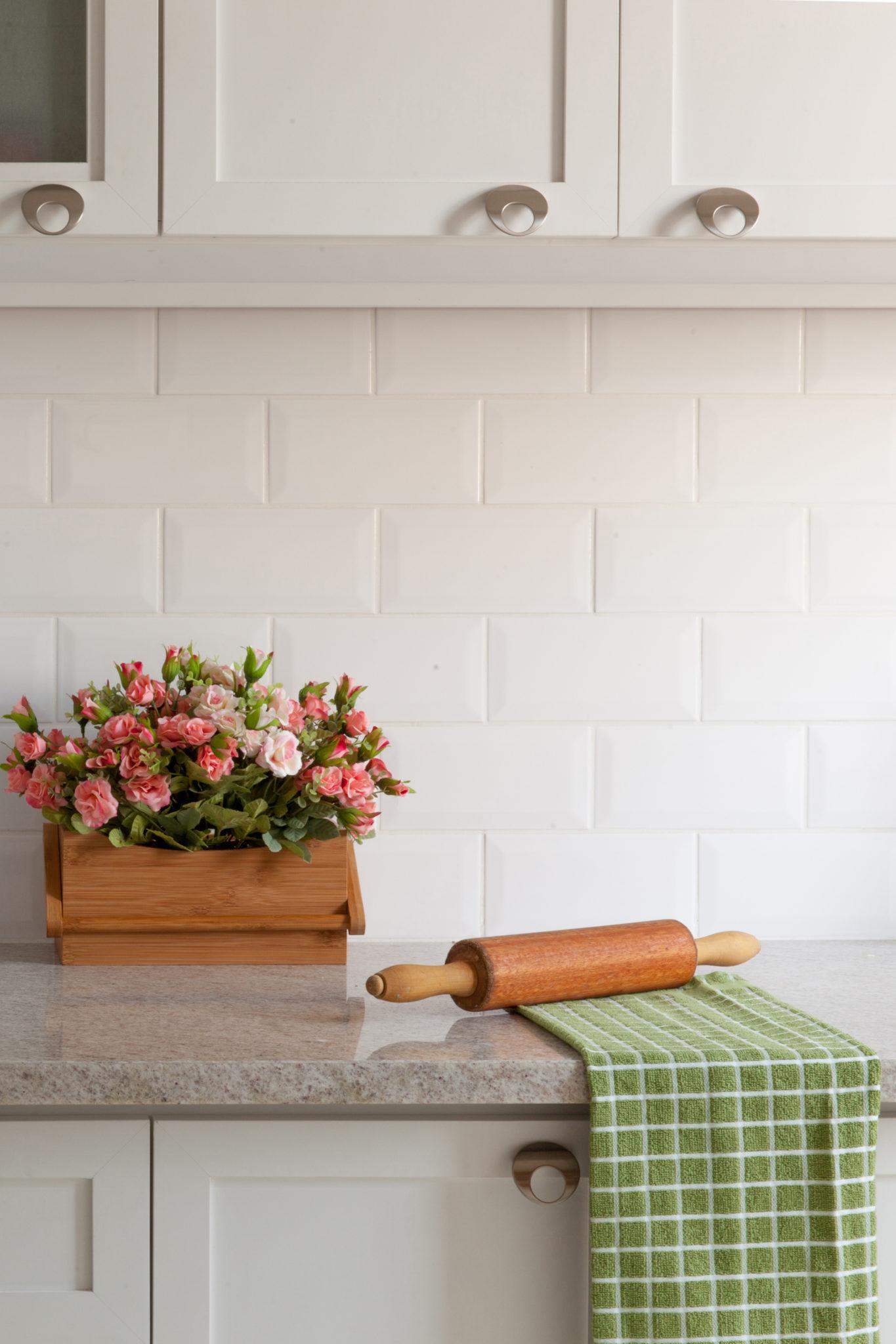 Metro White 4x8 Ceramic Wall Tile Qdi Surfaces
